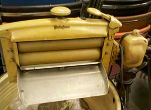Wringer washing machine leads to black female inventor | Auction Finds