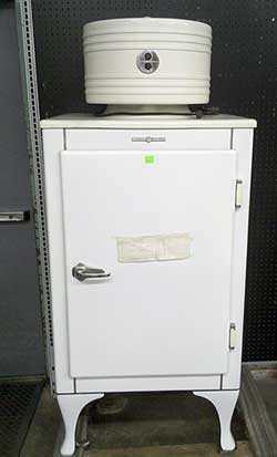 Lovely Ge Monitor Top Refrigerator Auction Finds