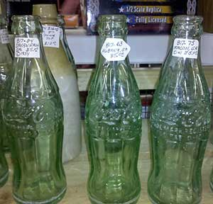 Spotting a fake Coca Cola bottle | Auction Finds