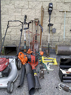 The Drudgery Tools Of Yard Work Amp Gardening Auction Finds