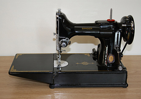 Reader Asks About Singer Featherweight Sewing Machine Auction Finds Gorgeous Featherweight Singer Sewing Machines