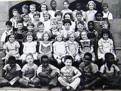 An elementary school photo marked with the year 1937. There's no indentification on the photo.